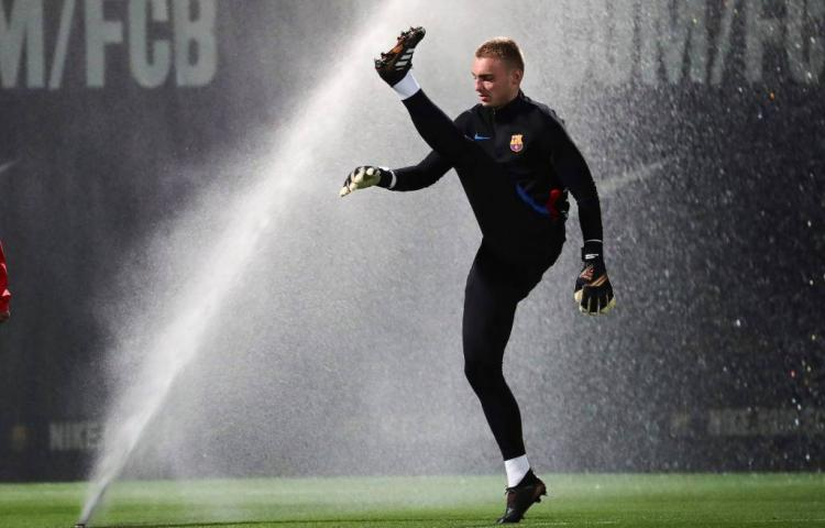 Cillessen in basis bij Barcelona
