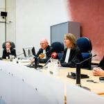 Justitie wil officieren in VS en Spanje