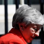 May opent deur voor referendum over brexitdeal