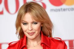Kylie Minogue geweerd van Spice Girls podium