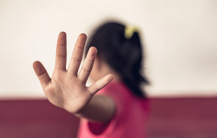Stop abusing violence. violence, terrified , A fearful child.