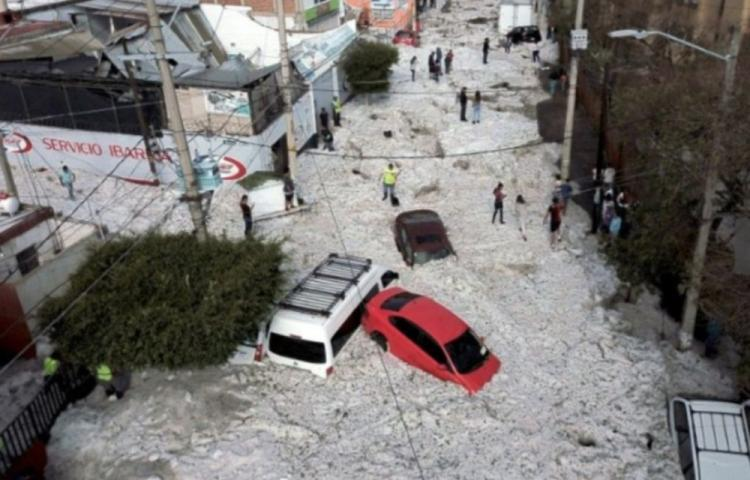 FireShot Capture 383 - Freak hail storm strikes Mexican city_ - https___news.yahoo.com_freak-hail-